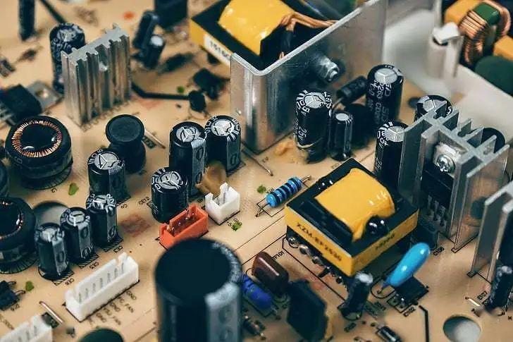 Why the location of the capacitor is important